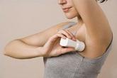 Thực hư thông tin lăn khử mùi có thể gây ung thư vú, giảm khả năng sinh sản