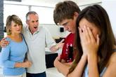 Đêm giao thừa bị cả nhà chồng chỉ trích vì về Tết muộn