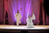 Tùng Dương xuất sắc diễn kịch, múa và hát
