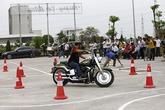Xem các biker cưỡi mô tô khủng luyện tay lái