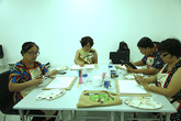 Độc đáo lớp dạy vẽ chỉ dành cho người trung niên