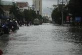 Nghệ An: Mưa lớn kéo dài, TP Vinh ngập sâu trong nước
