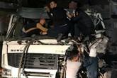 Quảng Ninh: Hai xe tải đâm nhau, tài xế mắc kẹt trong cabin cầu cứu
