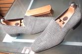 Đôi giày lười khiến nhiều người lóa mắt vì phủ 14.000 viên kim cương giá 42,3 tỷ đồng