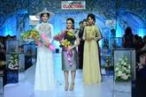 Hoa khôi Nam Em ấn tượng trong show diễn của nhà thiết kế Hoa Vi