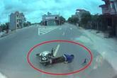 Xôn xao clip người đàn ông ở Thái Bình thoát chết hi hữu sau khi va vào ô tô