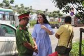 Chỉ qua sự cố giao thông, nhiều sao Việt bộc lộ bản chất hung hăng, ảo tưởng?