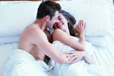 """10 lý do khiến bạn muốn ngủ """"nude"""" ngay từ tối nay"""