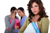Làm gì khi bị người khác đối xử xấu với mình?