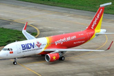 Nữ hành khách khó thở, máy bay hạ cánh khẩn xuống Nội Bài