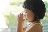 Những lưu ý quan trọng về cách uống Oresol khi bị sốt xuất huyết