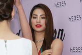 Quán của Hoa hậu Phạm Hương bị tạt sơn và mắm tôm có gì bất thường?