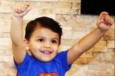 Cha mẹ bàng hoàng phát hiện con trai 2 tuổi bị người trông trẻ dùng máy uốn tóc đang nóng dí vào người