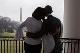 Bà Michelle đăng ảnh tình tứ để cảm ơn chồng