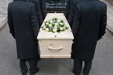 Thiếu niên 17 tuổi sống lại trên đường đến nghĩa trang