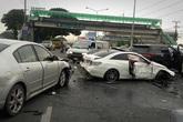 Phát hiện chồng đang chở bồ nhí, vợ cuồng ghen lao thẳng ô tô vào Mercedes của chồng