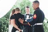 Cậu bé 4 tuổi ôm chầm mẹ kế, khóc nức nở trong đám cưới