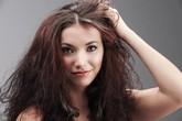 """99% chị em mắc phải sai lầm này khi gội đầu làm mái tóc bị """"chết mòn"""""""