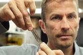 IBM lập kỷ lục lưu trữ 330 TB dữ liệu trong một đoạn dây băng mỏng dính