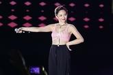 Tóc Tiên mặc gợi cảm, khuấy động 5.000 khán giả