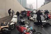 Đã tìm ra nguyên nhân khiến hàng chục xe máy đổ ngã la liệt trong hầm Kim Liên (Hà Nội)
