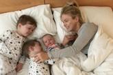 8 từ nghe được lúc kiệt sức vì trông con đã làm thay đổi một người mẹ