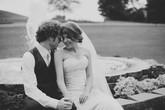 Câu chuyện cảm động về cô gái dị ứng với hầu hết mọi thứ, kể cả... chồng mình