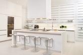 """15 căn bếp trắng tinh hiện đại và tinh tế """"đốn tim"""" bất cứ chị em nào"""