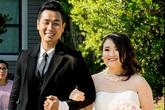 MC Nguyên Khang thay cha nắm tay em gái vào lễ đường