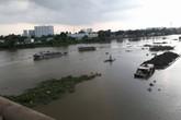 Thiếu nữ có ý định nhảy sông tự tử được công an cứu