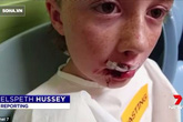 Thấy bạn sắp bị chó dữ cắn, hành động của cậu bé 9 tuổi khiến mọi người nể phục!