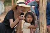Angelina Jolie bị chỉ trích tàn nhẫn trong cách tuyển diễn viên nhí ở Campuchia