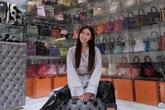 Báo Anh xôn xao trước gia tài túi Hermès triệu đô của nàng cựu tiếp viên hàng không