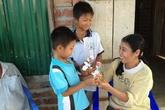Mẹ 2 bé được MC Lại Văn Sâm tặng lương hưu từng bất chấp tính mạng sinh con
