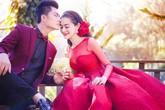 Hé lộ thiệp cưới giản dị của Lâm Khánh Chi và chồng kém 8 tuổi