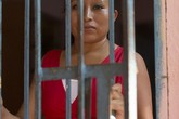 Sản phụ ngất trong nhà vệ sinh, tỉnh dậy chưa kịp đau đớn vì con chết lưu đã nhận ngay bản án 30 năm tù