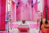"""Phát """"sốt"""" với phòng KTX màu hồng lung linh như bước ra từ truyện ngôn tình"""