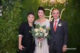 Kha Mỹ Vân cùng chồng Tây tổ chức tiệc cưới tại Việt Nam