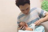 Nam Cường: 'Tôi vào diễn đàn mẹ bỉm sữa để học chăm con'