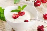 Có nên ăn sữa chua khi uống kháng sinh?