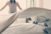 Tác hại đằng sau việc gấp chăn ngay khi ngủ dậy sẽ khiến bạn giật mình