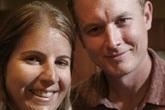 """Đến Italy du lịch, cặp vợ chồng không ngờ tìm lại được """"báu vật"""" đánh rơi 9 năm trước"""