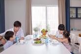 Hé lộ 3 điều nghịch lý ít ai biết về gia đình Lý Hải – Minh Hà