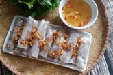 Xuýt xoa ngày lạnh với món bánh cuốn nhân thịt nóng hổi