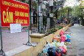 Hà Nội: Xử phạt tiền triệu, người dân vẫn vô tư ném rác ra phố