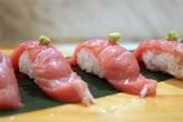 Bí mật tàn nhẫn của món sushi ngon và đắt nhất thế giới