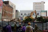 Đà Nẵng: 4 người thương vong khi tháo dỡ tòa nhà đầu cầu Sông Hàn