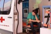 Nữ y tá sốc khi thấy bạn trai cùng người tình đi cấp cứu