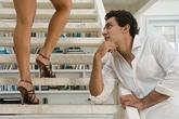 Đàn ông không thể cưỡng lại được những hành động này ở phụ nữ