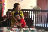 Vụ chồng xích cổ vợ ở Thái Bình: Người con trai bị bố bóp rạn xương tay